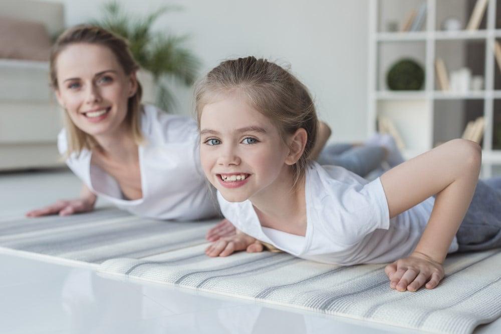 Mor der træner i hjemmet